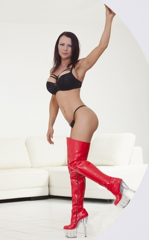 Strippers Brisbane Sparkels sexy red boots