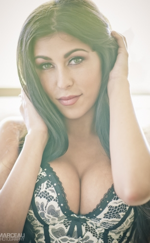 Topless Waitresses Sydney Sophia