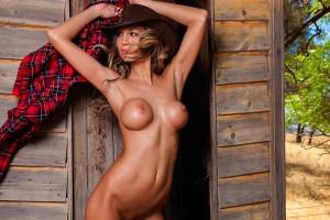 Topless Waitress Melbourne Portia 3