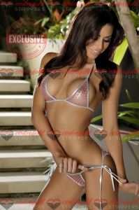 Topless waitresses Sydney Isabella 4