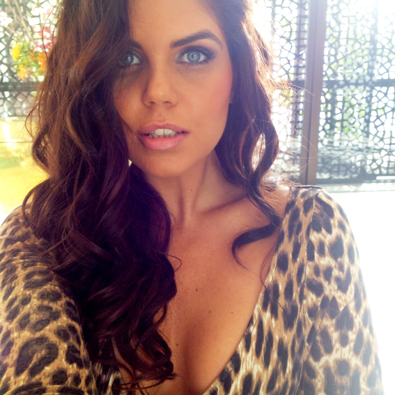 Vogue topless barmaids Melbourne 3