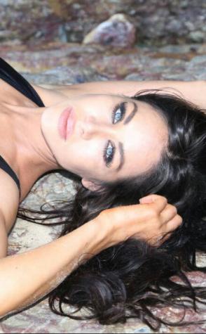Cammy Brisbane topless waitress head shot